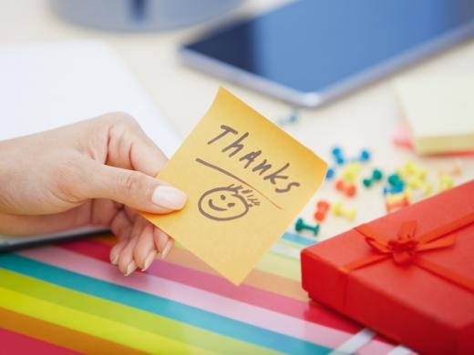 コミュニケーションを活性化!<br />「サンクスカード」を会社で運用するコツと効果