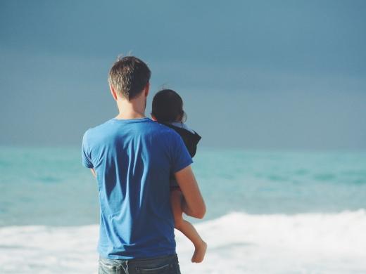 男性も育児休業はとれる!<br>頑張るパパへの支援制度や取り組みについて