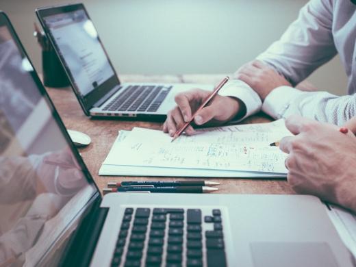 OKRとは?その効果と運用方法、有名企業が取り入れるツール8選