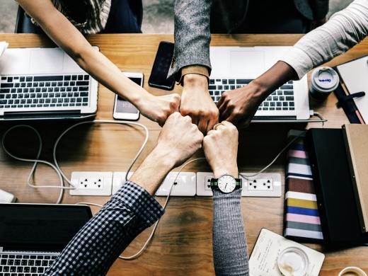 コミュニケーション研修とは?<br>企画の流れや講座実例を紹介