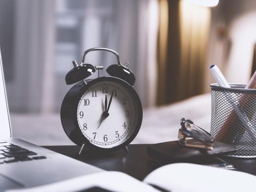 労働時間のルールや管理方法、時間外労働についてを解説します